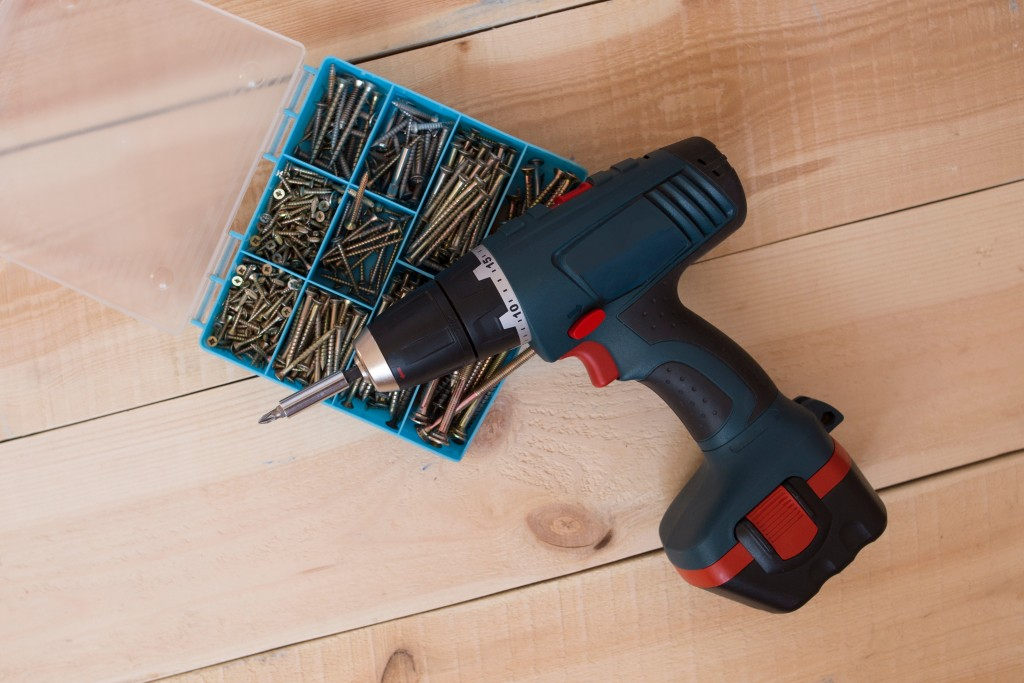 Deck Screws and Hand Drill