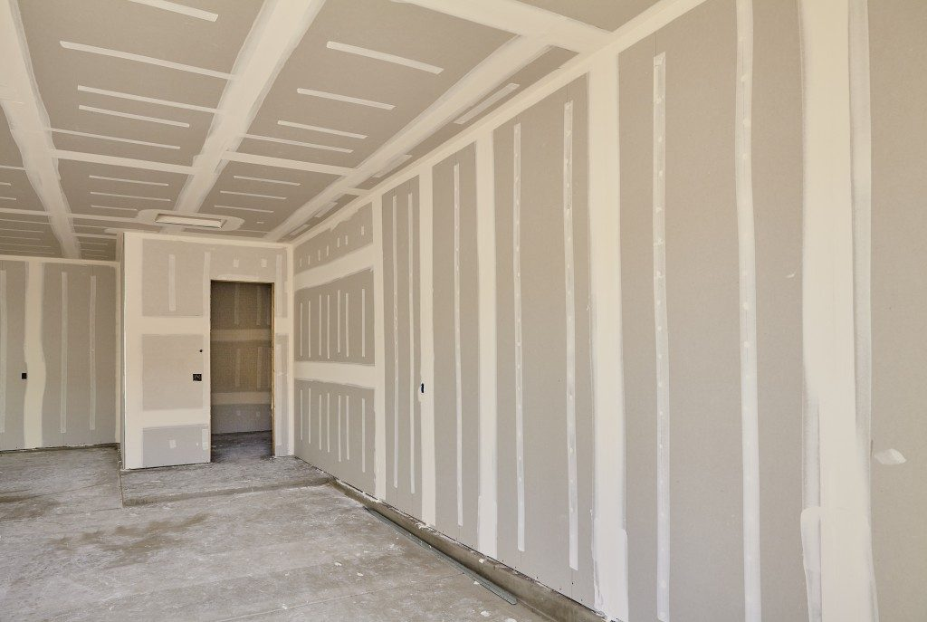 House with interior dry lining